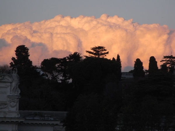 Nubes de Roma desde Villa Borghese. Foto R.Puig.