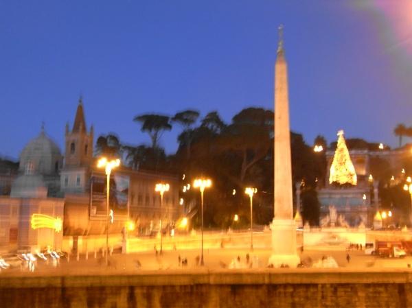 Piazza del Popolo en visperas de Navida. Foto R.Puig.