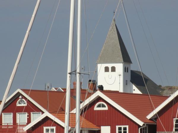 La iglesia de Skärhamn. Foto R.Puig.