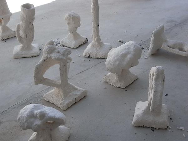 Las piezas antes de retirar-las cascarillas. Foto R. Puig