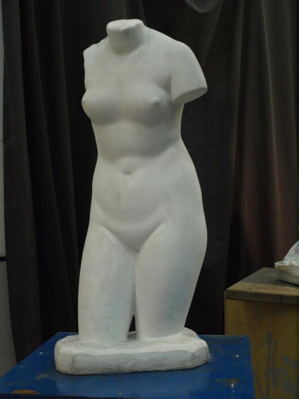 Altea. Aula de dibujo.Vaciado del torso de  Cherchell Venus Capitolina Foto R.Puig.