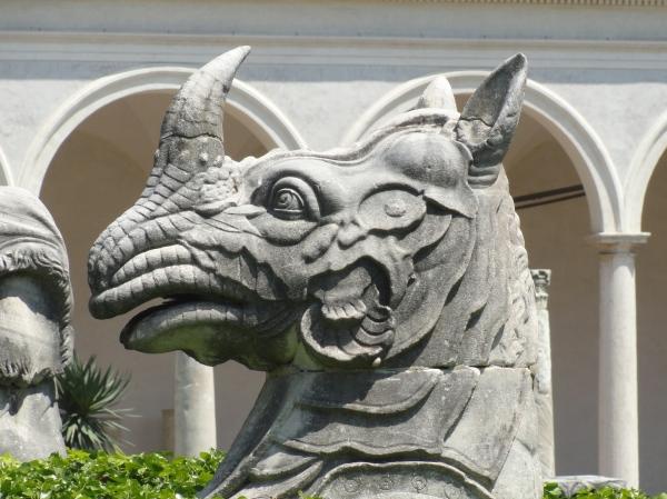 Cabeza de rinoceronte asiatico. Fines del s.XVI. Claustro Michelangelo. Museo delle Terme. Roma. Foto R.Puig
