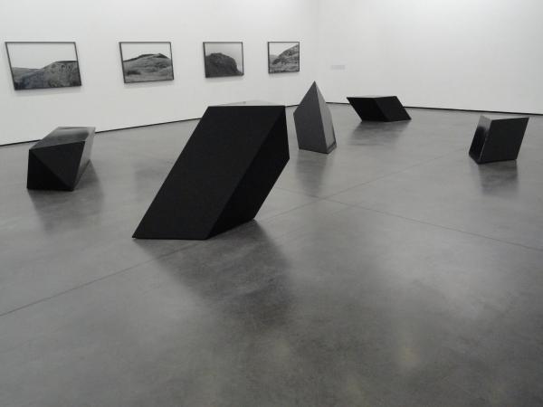 Obras de Tony Smith.  Toulouse Les Abattoirs. 2013.Foto R.Puig