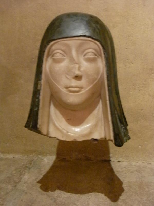 Cabeza de monja. s.XIV. Les Augustins. Foto R.Puig.
