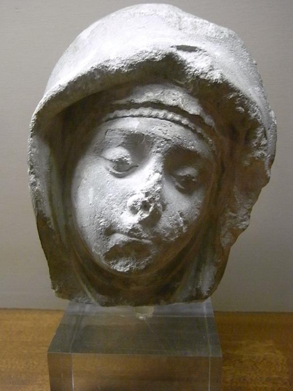 Cabeza femenina. s.XV.Les Augustins. Foto R.Puig.