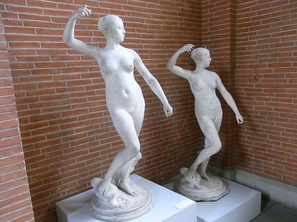 Danzante en marmol y su proyecto en escayola. Alexandre Falguiere. Les Augustins. Foto R.Puig.
