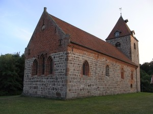 Iglesia de San Fermin. s.XIII. Dotlingen. Foto R.Puig.