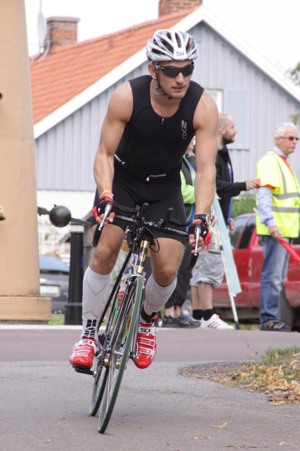 Martin comienza 180 kms de bicicleta. Ironman Kalmar. 2013