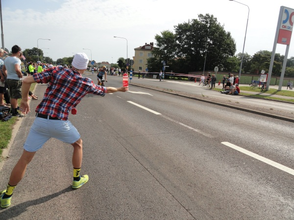 Reavituallamiento. Ironman Kalmar 2013. Foto R.Puig