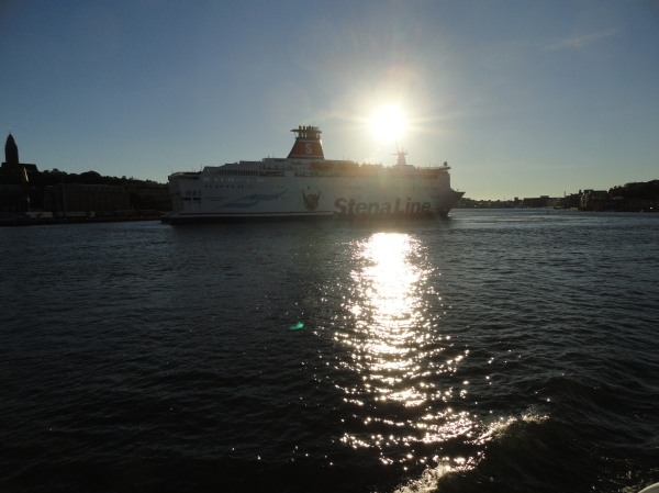 El sol cae sobre la ria de Gotemburgo. Foto R.Puig.