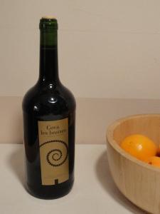 Benitatxell. El fruto de la vendimia del año anterior. Foto R.Puig
