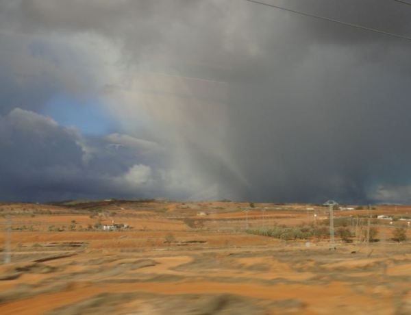 Campos de Castilla La Mancha desde el tren. Enero 2014.Foto R.Puig