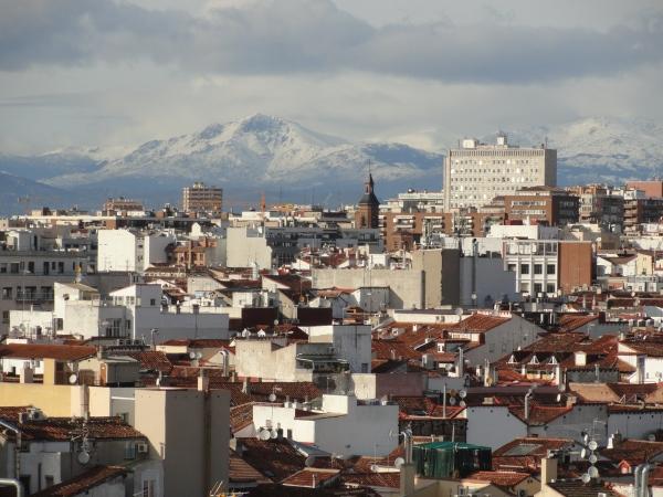 La sierra de Guadarrama desde el Círculo de Bellas Artes. Foto R.Puig