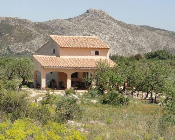 Casa de campo. Corrals del Figueralet. Foto R.Puig