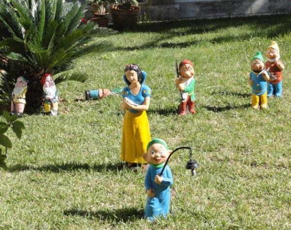 Cuidamos el jardin. Sanatorio de Fontilles. Foto R.Puig