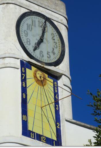 Hay relojes que se paran y otros que nunca lo hacen. Sanatorio de Fontilles. Foto R.Puig