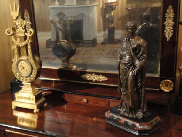 A través del espejo. Museo Romántico. Madrid. Foto R.Puig