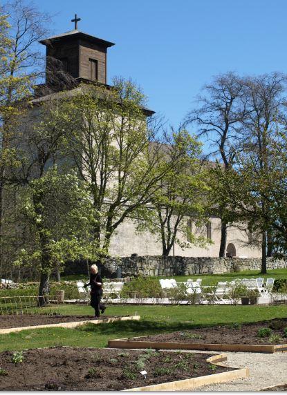 Iglesia de Vamlingbo. Gotland.  Huerto experimental. Foto R.Puig