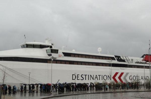 Visby. La cola en el puerto. Foto R.Puig