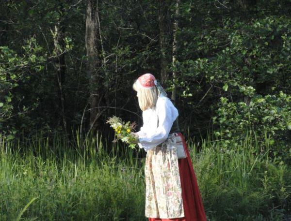 Flores para las guirnaldas. Foto R.Puig