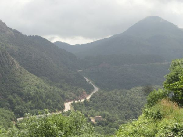 Coustouges. Carretera hacia la frontera española. Foto R.Puig