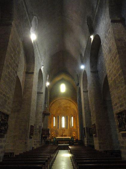Nave central de la iglesia de Santa María en Arles sur Tech. Foto R.Puig