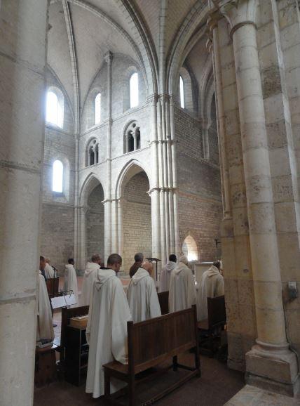 Oficio de Vísperas en la Abadía de Acey. Foto R. Puig