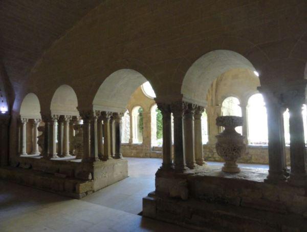 Valmagne. El claustro desde la sala capitular. Foto R.Puig