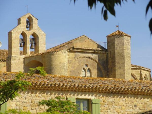 Valmagne. Vista de la abadía desde su jardín medieval. Foto R.Puig