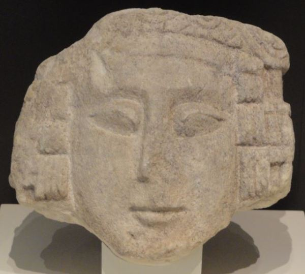 Cabeza femenina ibérica.Museo Arqueológico Nacional. Madrid. Protohistoria. Foto R.Puig
