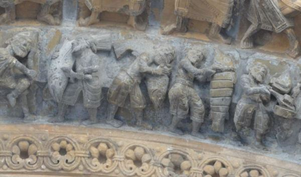 Catedral de Oloron Sainte Marie. Pescadores de salmón. Portico. Foto R.Puig