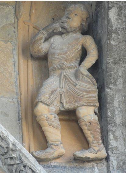 Catedral de Oloron Sainte Marie. Reflexionando.. Foto R.Puig