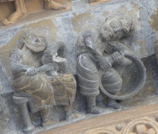 Catedral de Oloron Sainte Marie. Toneleros. Portico. Foto R.Puig