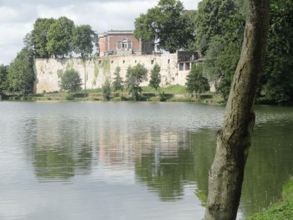 El chateau de Barbençon. Foto R.Puig