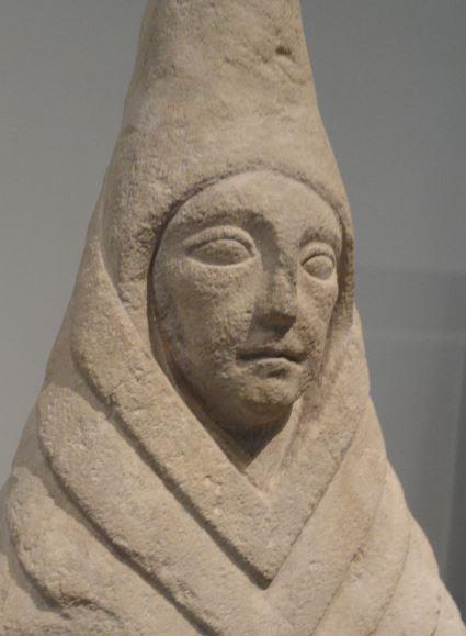 Figura iberica de oferente femenina. Museo Arqueológico Nacional. Madrid. Protohistoria. Foto R.Puig