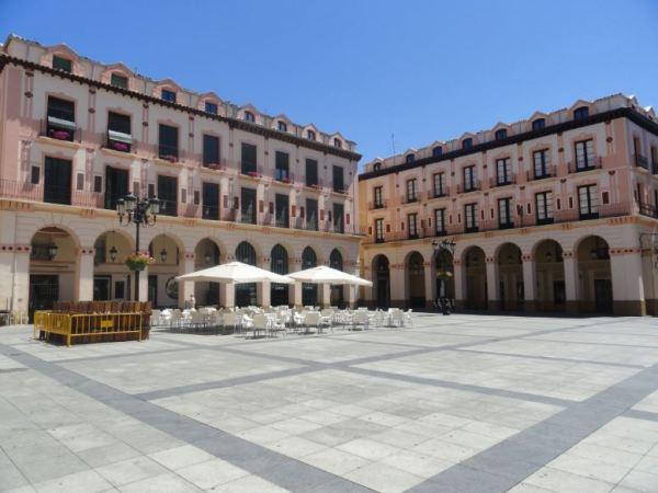 Huesca a las 3 de la tarde en julio. Foto R.Puig