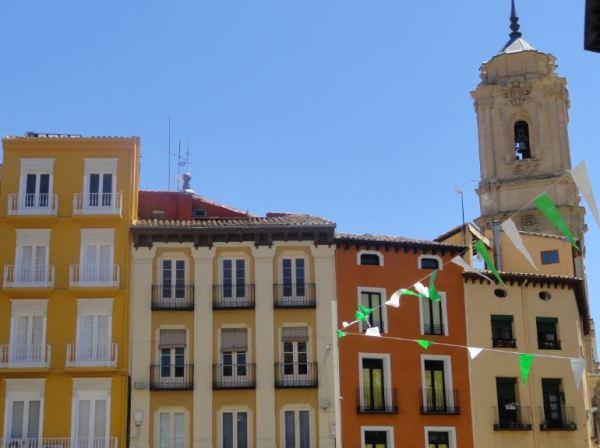 Huesca. Fachadas junto a San Lorenzo. Foto R.Puig