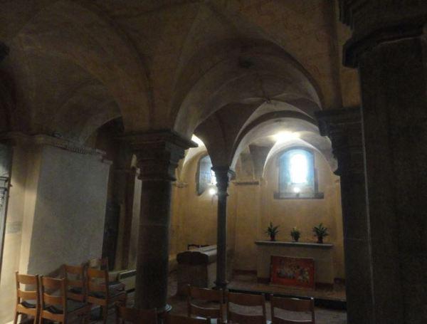 La Colegiata de Lobbes. Cripta   . Foto R.Puig