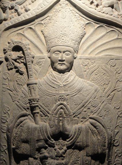 La Colegiata de  Lobbes .  Tumba de abad. Foto R.Puig