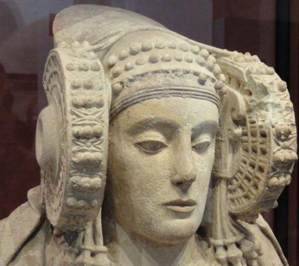 La Dama de Elche. Cabeza femenina ibérica .Museo Arqueológico Nacional.  Madrid. Protohistoria. Foto R.Puig