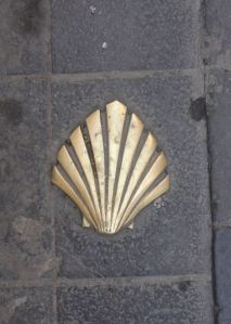 Señal del camino de Compostela. Huesca.  Foto R.Puig