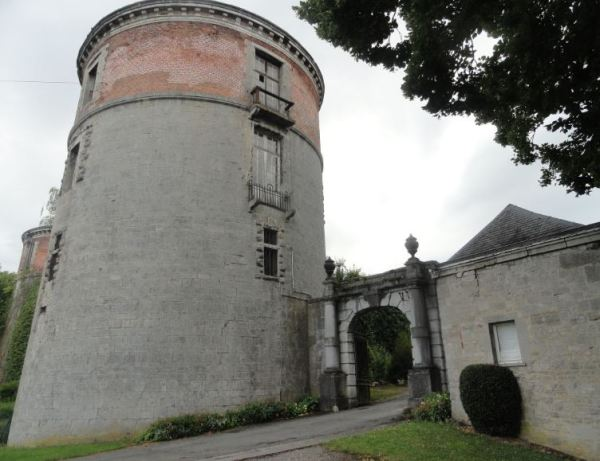 Ingreso al chateau de Beauraing.Foto R.Puig