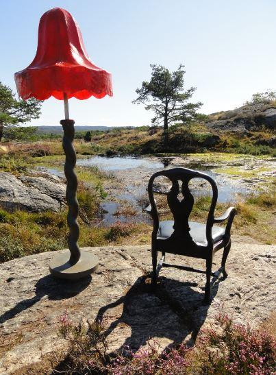Rincon de lectura. Claes Hake. Suecia. Bronce y plástico. Pilane 2014.  Foto R.Puig