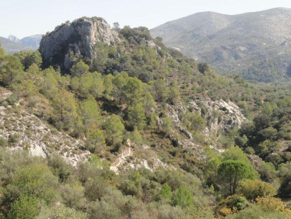 Barranco del Girona bajo la Muntanyeta en los aledaños de la Cova del Rull. Foto R.Puig