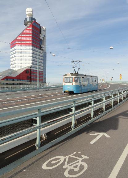 Por el puente. Foto R.Puig