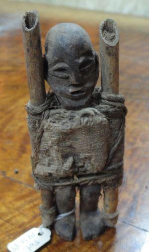 Fetiche del pueblo Bakongo.  Colección Fernando Cardenal. Foto R.Puig