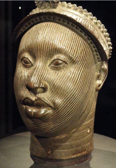 Cabeza de un Ooni. Aleación de cobre. ss.XV a XVI. NCMM. Lagos. Foto R.Puig