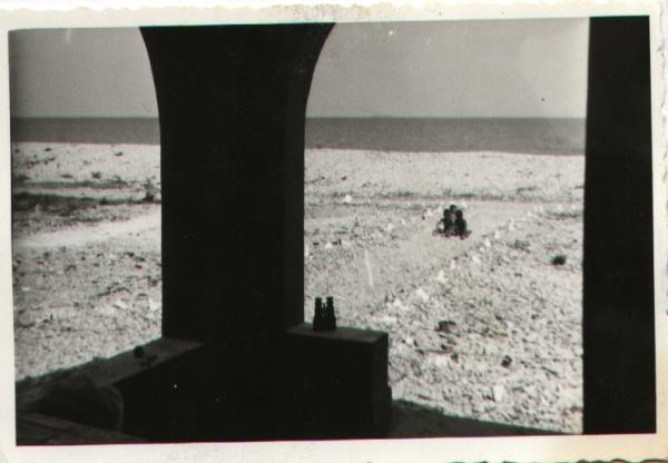 El mar en 1960 visto desde la galería. Cortesía de Pere Cardona