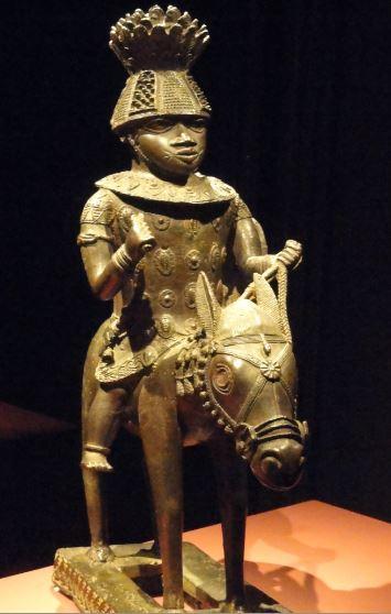 Figura equestre. Aleación de cobre. ss. XVIIa XVIII.NCMM. Lagos. Foto R.Puig