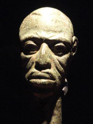 Pomo de un cetro. Aleación de cobre. ss.XV a XVI. NCMM. Lagos. Foto R.Puig